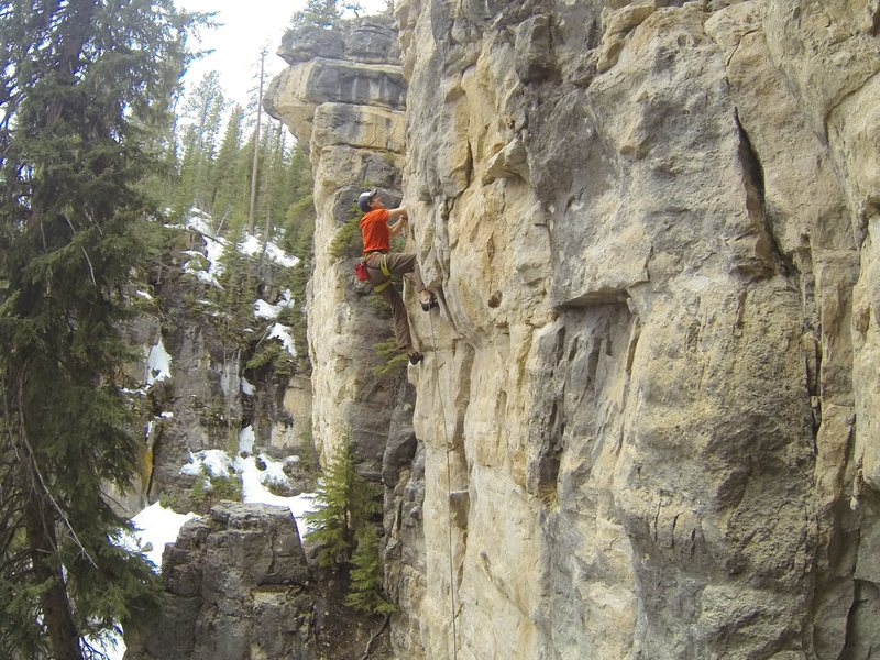 Reggie knocks down Ice Blocks, 5.11a