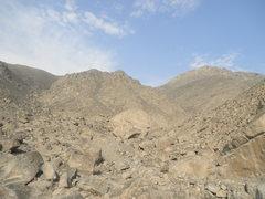 Rock Climbing Photo: The big round Amigos Mas boulder, sticking out amo...