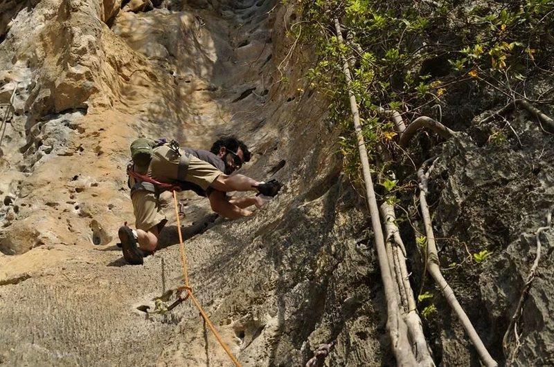 Rock Climbing Photo: Groove Tube - Tonsai, Thailand