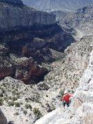 Rock Climbing Photo: Coming around P3 to the intermediate belay.