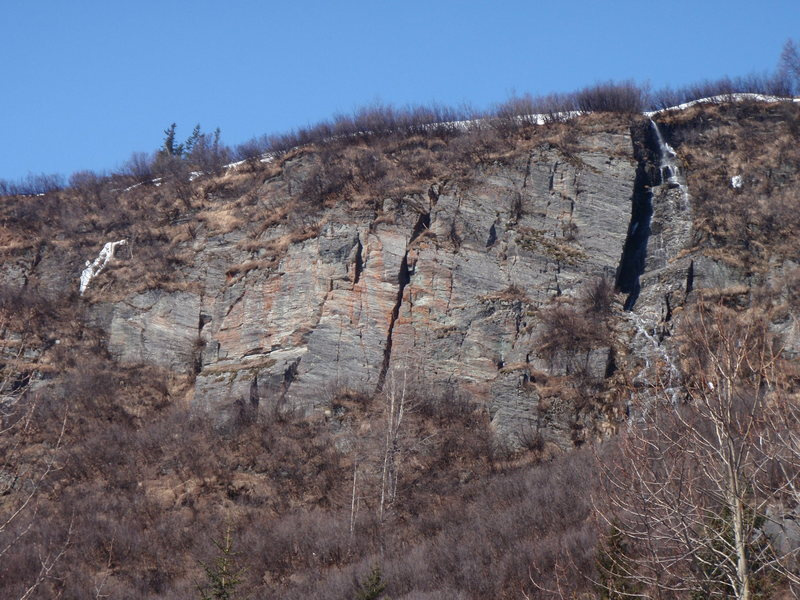 Rock Climbing Photo: Fudgecicle Chimney is the large chimney that split...