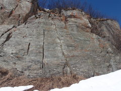 Rock Climbing Photo: Climb E is the left most climb on this short secti...