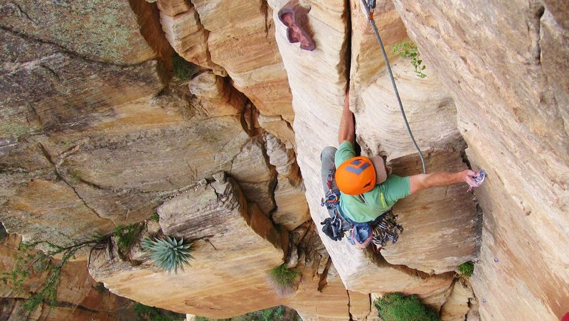 Rock Climbing Photo: Spring cleaning on P6, moving into the Iron Rose V...