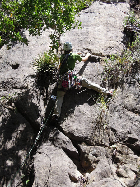 Rock Climbing Photo: Ches Upham delicately weaving through the minefiel...