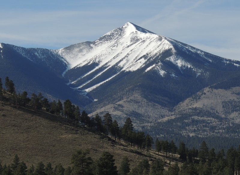 Rock Climbing Photo: San Fransisco Peaks, from the north. The prominent...