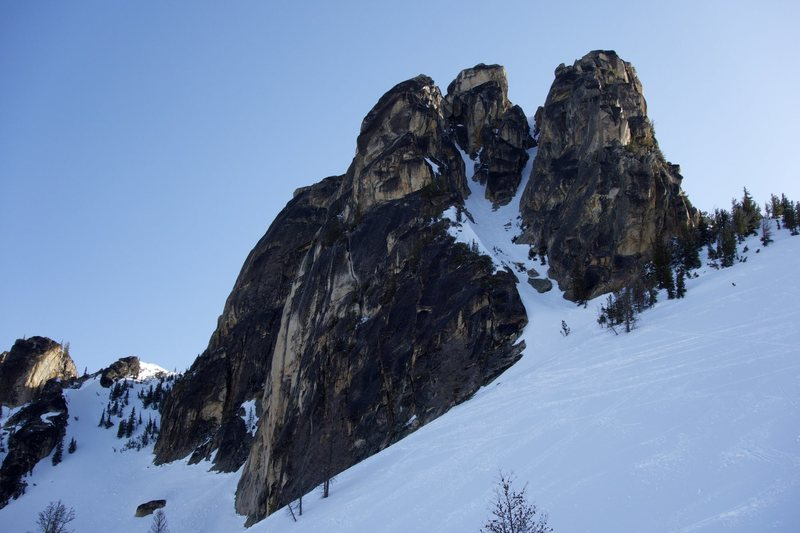 Rock Climbing Photo: The Southwest Couloir on South Early Winters Spire