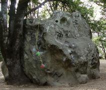 Rock Climbing Photo: Mr Magoo, V2 sit start(red), V0-V1 stand start (gr...