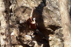 Rock Climbing Photo: Crisp day at the Blackjack Boulders in Rumney earl...