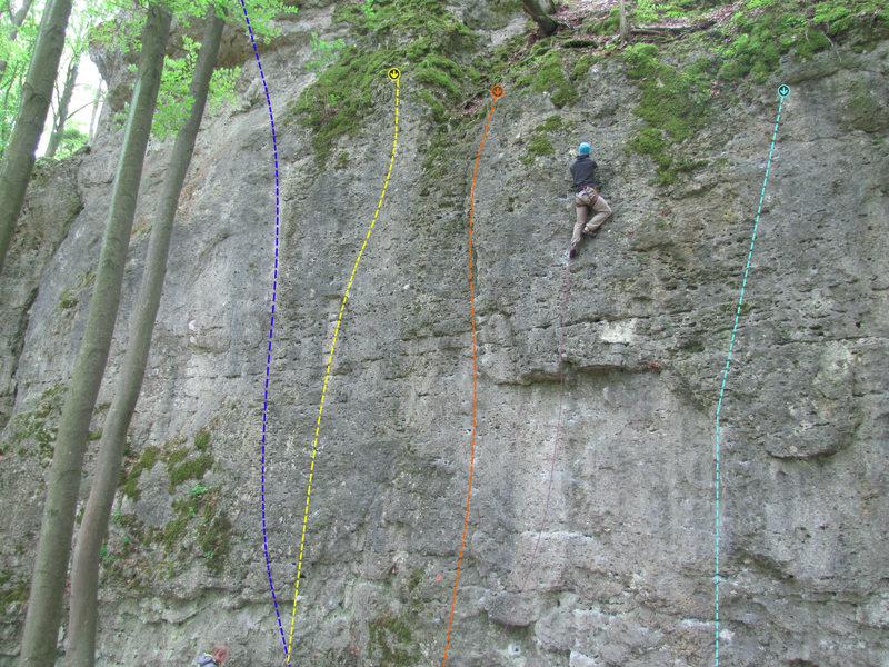 Rock Climbing Photo: 5 vor 12 (blue), Aprilscherz (yellow), Hummelstane...