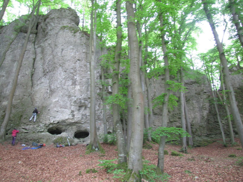 A view of the rest of the right side of the crag.