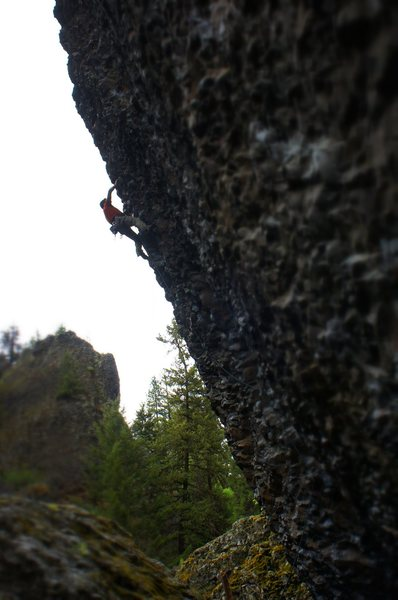 Steep and fun 5.12b - Deep Creek