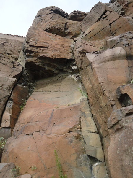 Rock Climbing Photo: The Stone Wave starts left and climbs into and out...