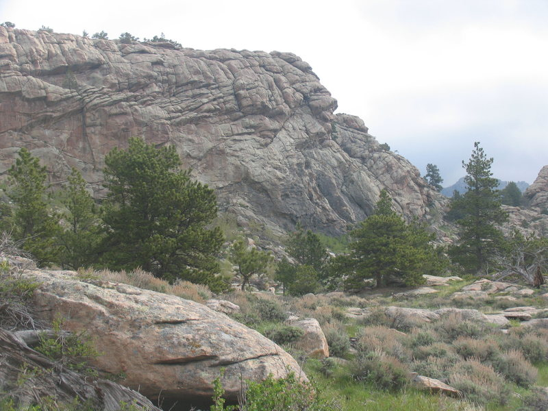 Rock Climbing Photo: The east end of the Meadows Mound has some 10 spor...