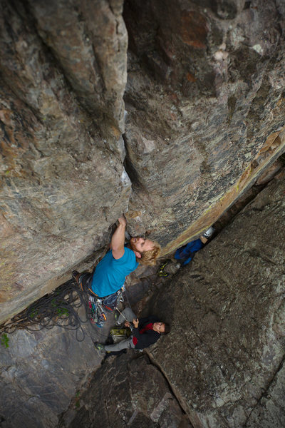 Tom Wright mid-crux on the Supremacy Crack.