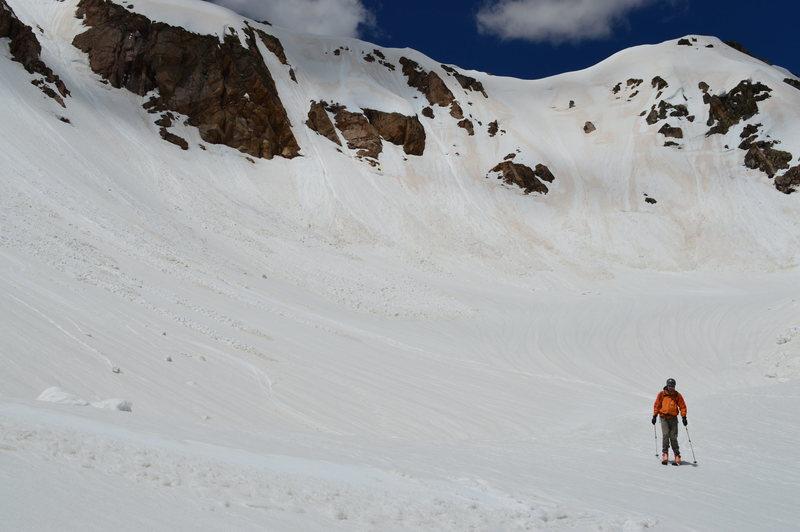 Rock Climbing Photo: Upper basin below the NE face. many short steep co...