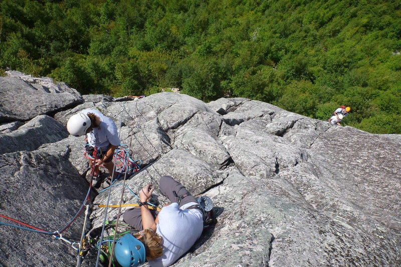 Busy Belay-Rap area