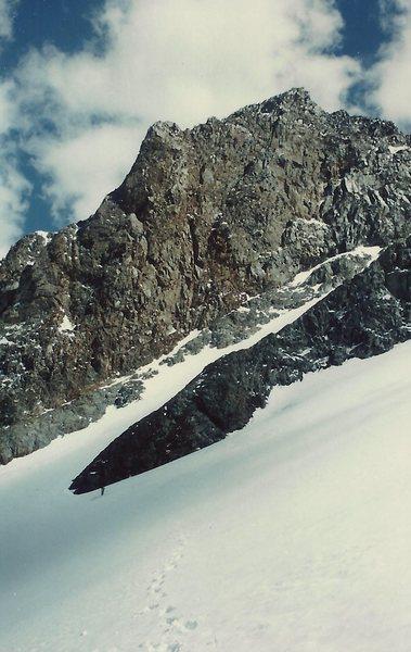 Rock Climbing Photo: Close