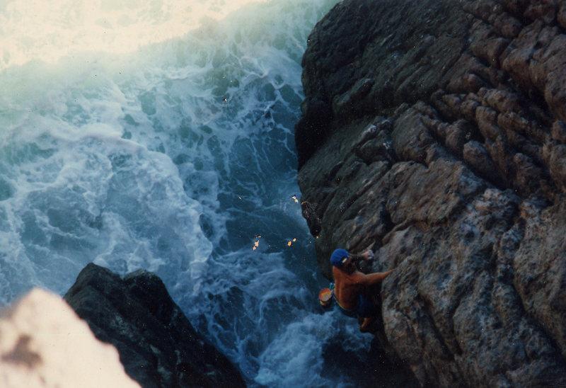 Cabo Pulmo Baja Sur<br> Climber: Olaf Mitchell<br> Photo: Mike