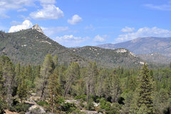 Rock Climbing Photo: Sentinel Peak stands guard at the foot of the Uppe...
