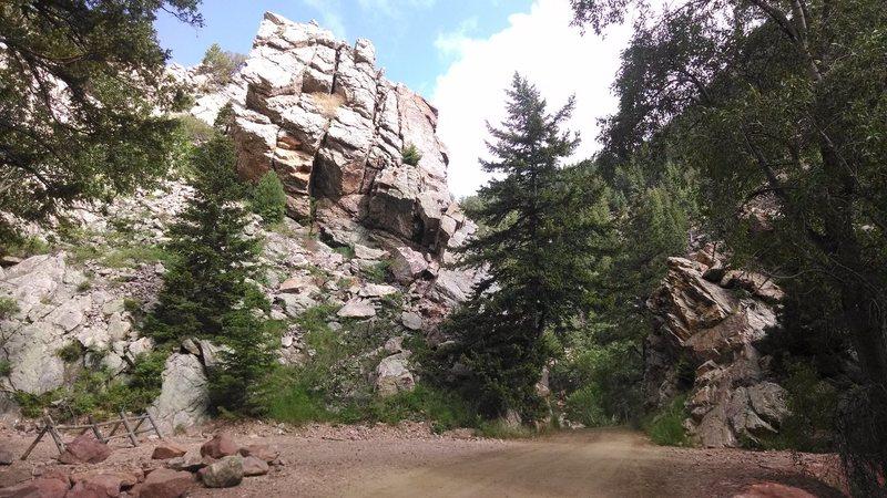 Rock Climbing Photo: Cartoon Crag sits just above the road.