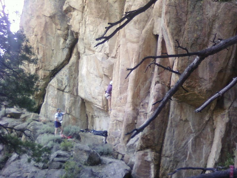 Rock Climbing Photo: Endless Bummer belay area