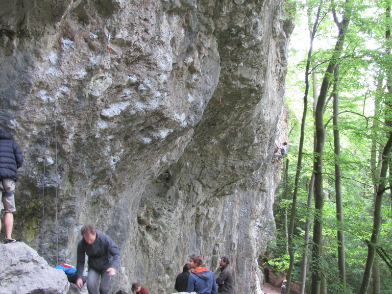 """A busy (relatively normal) weekend on the Obere Schloßbergwände. The climbers are gathered chiefly below the popular """"Liebe ohne Chance"""" and """"Master Blaster""""."""