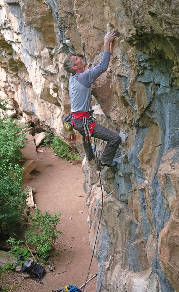 Rock Climbing Photo: Starting the low crux, Guns 'n Posers (5.12a).