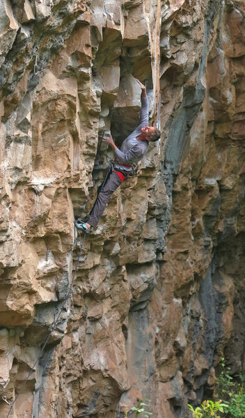 Ed Strang at the blocky roof, Fully Automatic (5.12c).