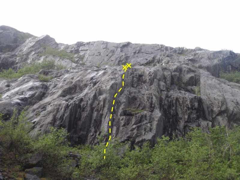 Rock Climbing Photo: Potentially Dry climbs right of the arete in the c...