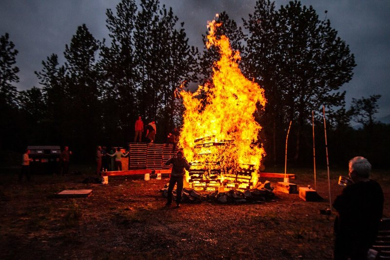 Just a good old pallet fire.