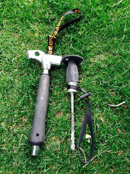 A couple of new toys... (Faders 330f hammer and a Petzl RocPec).