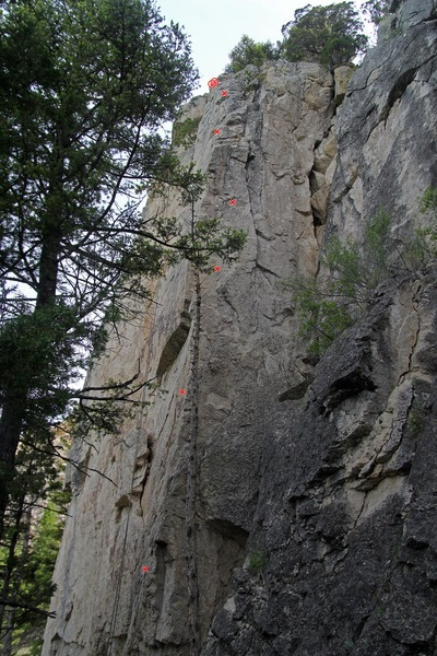 Rock Climbing Photo: Dam arete. Approximate bolt locations shown.