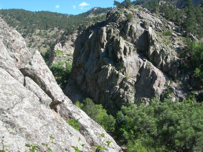 Rock Climbing Photo: The right side of the 4th Elephant Buttress.