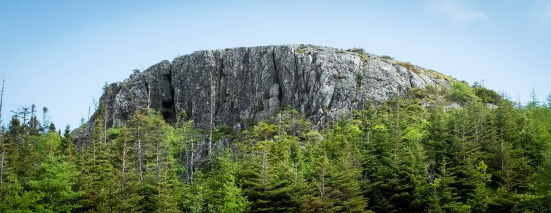 Roadside view of Lockes Rocks<br> Photo by Greg Locke (2014)