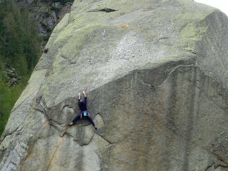 7a+ on a boulder in Val Di Orco, Italy