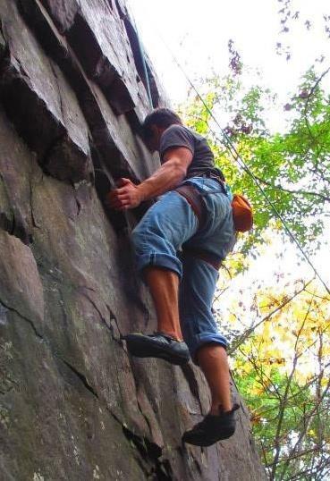 Rock Climbing Photo: Climbing at Devil's Lake, WI