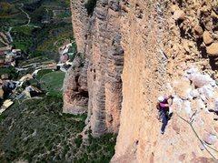 Rock Climbing Photo: Exposed traversing on Mosquitos.