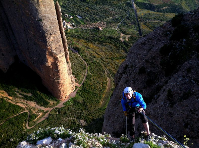 Rappelling from El Fire after climbing Directa as Cimas.  El Pison in the background.