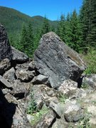 Rock Climbing Photo: Foxglove Boulder