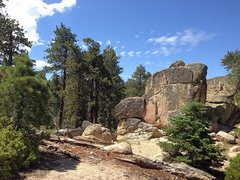 Rock Climbing Photo: There are lots of boulders in the immediate area, ...