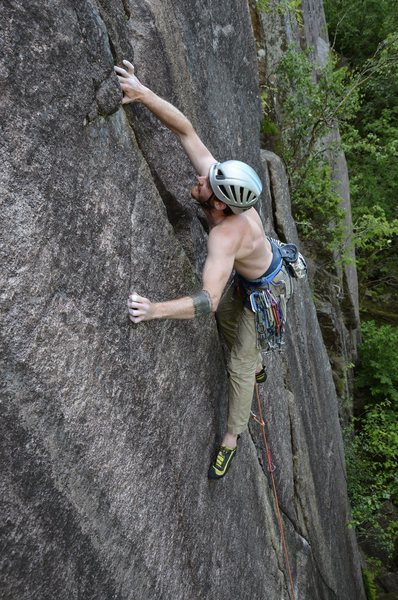 Rock Climbing Photo: Dave Montgomery cranks up the perfect fingers on U...