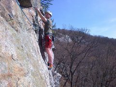 Rock Climbing Photo: Traverse at the start of p2.