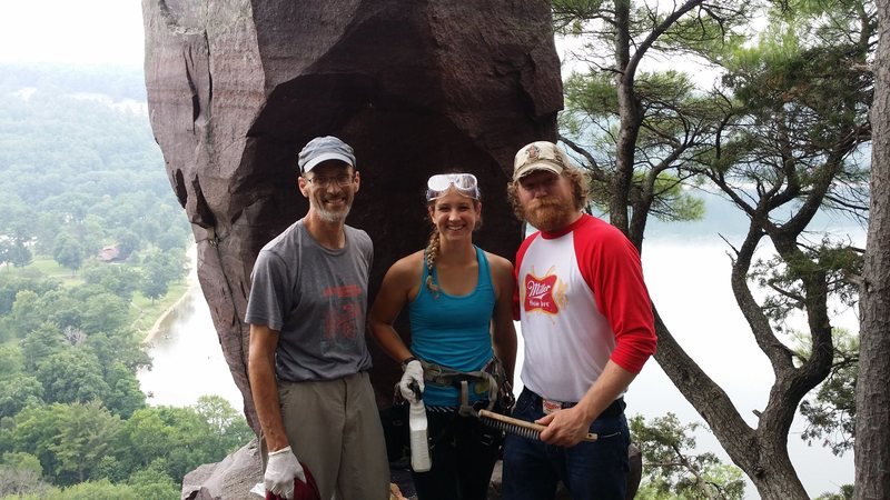 Cleaning graffiti at Balanced Rock, w/ Angie Limbach and Gokul Gopal.<br> <br> photo by Lance Meissner.
