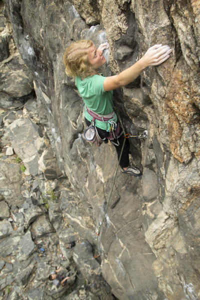 Rock Climbing Photo: Robyn nearing the top of the classic Mirthmobile.