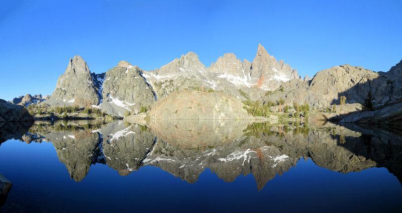 Rock Climbing Photo: Minaret Lake.