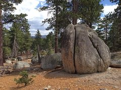 Rock Climbing Photo: Boulders near Bluff Mesa, Big Bear South