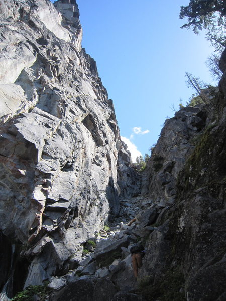 Rock Climbing Photo: heading up gulley between the fang and the molar. ...