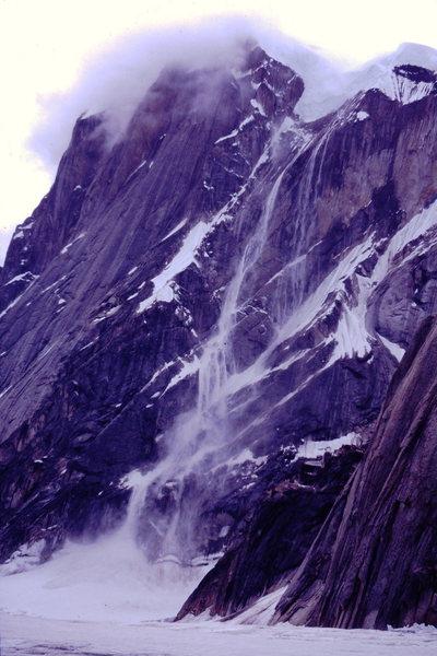 Rock Climbing Photo: A little spindrift on Mt. Dickey