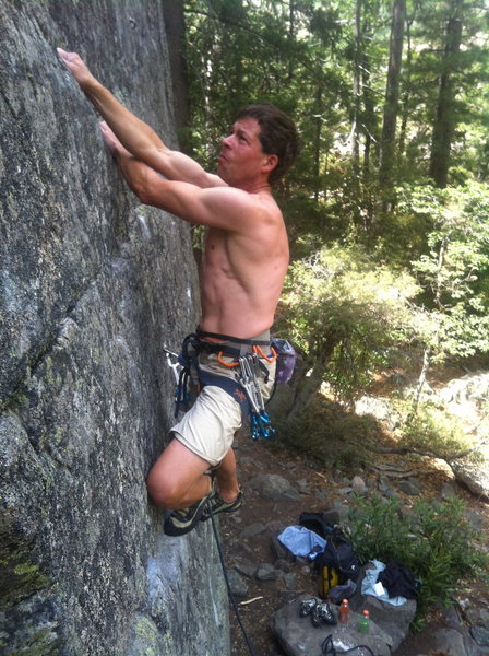 Rock Climbing Photo: Troy Corliss warming up on Into the Light .10c, Ku...