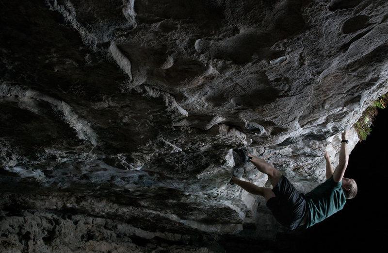 Rock Climbing Photo: Hank's Cave